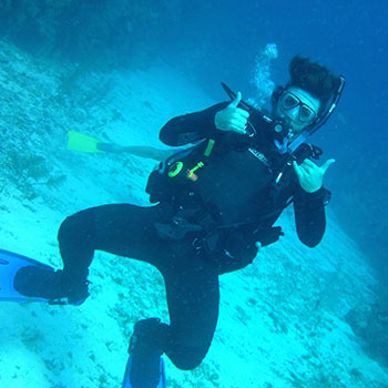 Brandon Magee scuba diving